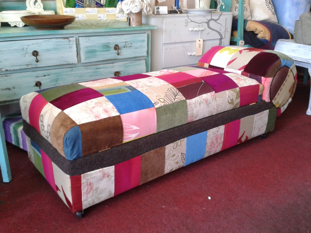 Patchwork chaise orissa designs for Chaise patchwork