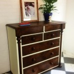 Piller chest of drawers